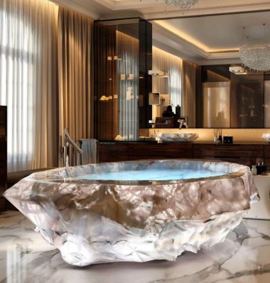 Le Grand Queen Bathtub 6
